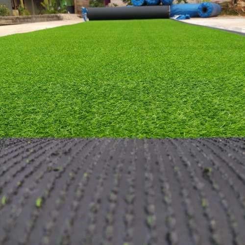 cara pasang rumput sintetis